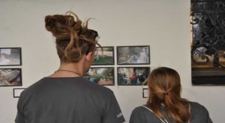 SB Overseas volunteer hosts photography exhibition in Graz