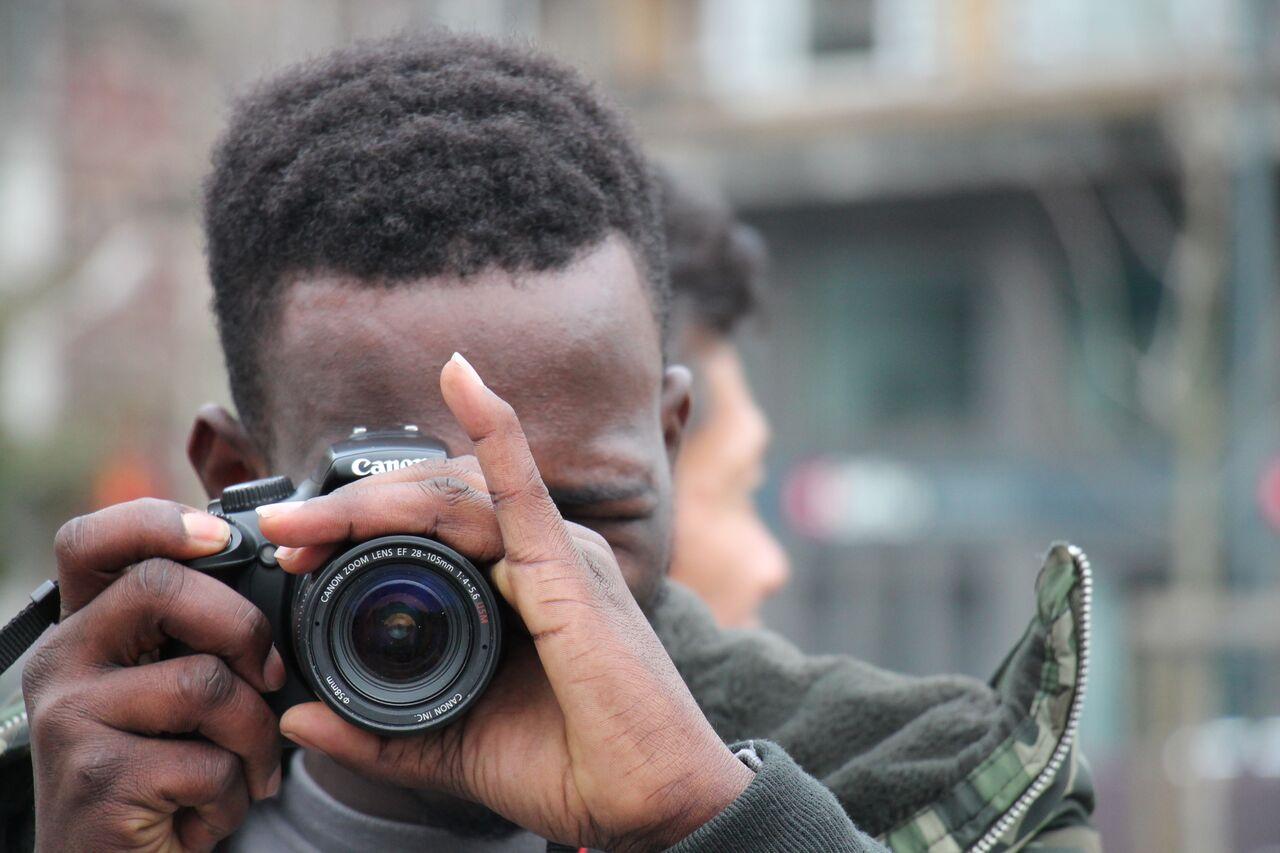 Capturing refugee portraits
