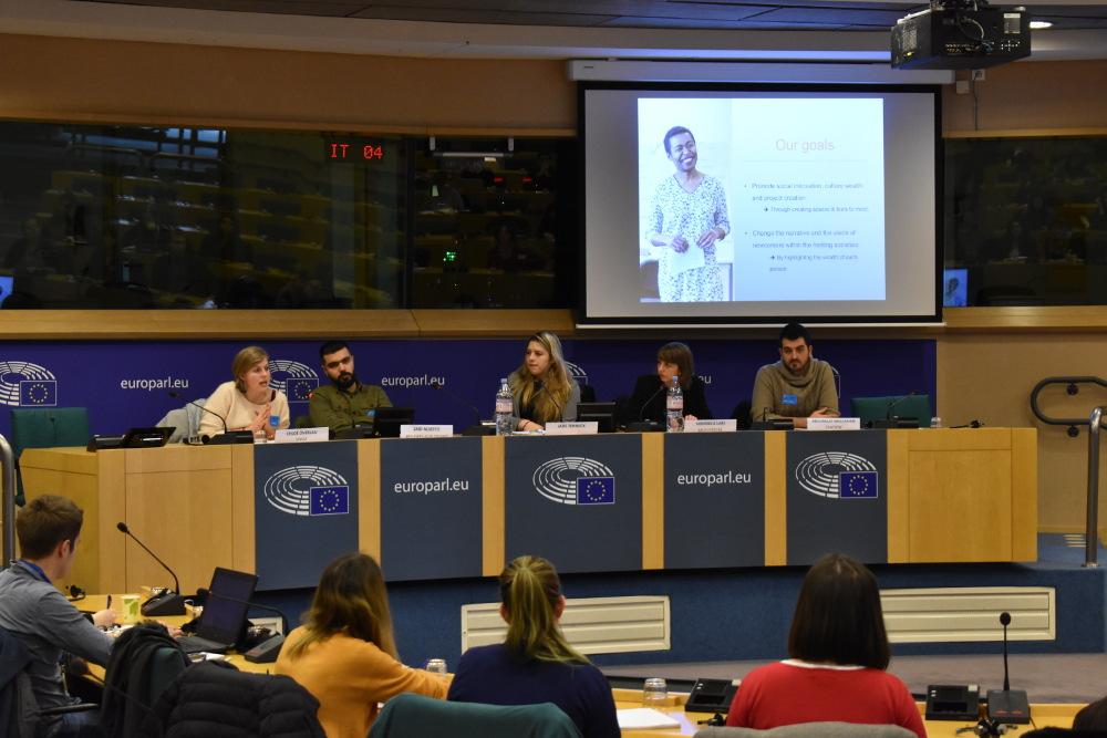 SB OverSeas présente son programme de volontariat au parlement européen