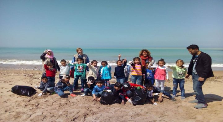 Refugees in Brussels and Lebanon take the #TrashTag Challenge